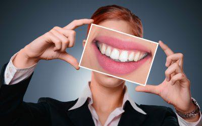 Implant dentaire : entretien et maintenance