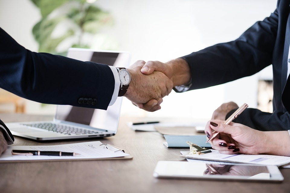 Agent-co : contrats sans limite ou contrats à durée déterminée ?